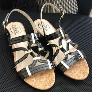 Sandals with a cute design and small heel!